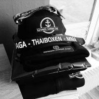 Textilien mit Wunschmotiv für die Hanseatic Combat Crew